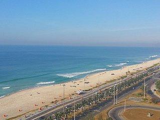 Vista deslumbrante - Pé na areia (a 50 metros da praia) - Apartamento excelente