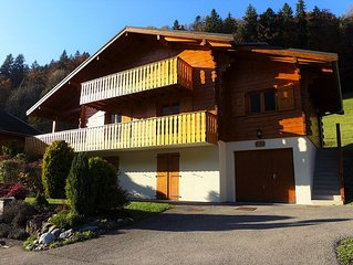Luxury south-facing chalet 5 minutes from ski slopes, 15 minutes from Chatel