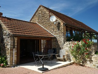 Beautiful cottage with pool close to Cluny & Taize