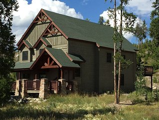 Luxurious Mountain Home - 5-Star Comfort - You'll Love It!
