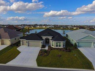 If you want the best - Quality Designer Waterfront Home in The Villages Golf