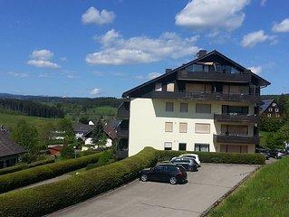 Helles Komfort-Appartement mit WLAN, Schwimmbad, Feldbergblick (2 bis 4 Pers