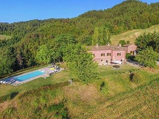 Sprawling Villa with Breathtaking Views in Emilia-Romagna