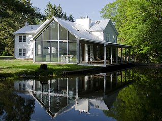 Floating Farmhouse: Stunning renovation in storybook setting, 2 hours NYC