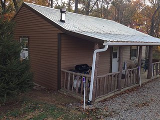 Just Minutes From The Caves; Over 5 Acres Of Grass And Woods; Free Wi-fi!!