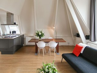 Cit Live In Chique Monumental Apartment Or At The Edge Of City Parc