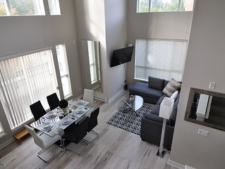 My Lovely Loft 4 Beds/3 Full Baths Surrey Central Near Mall/Sky Train