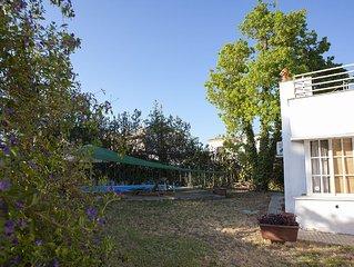 Chalet, zona tranquila con piscina y aparcamiento