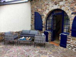 Maison bretonne de caractère jardin vue mer Loguivy de la mer