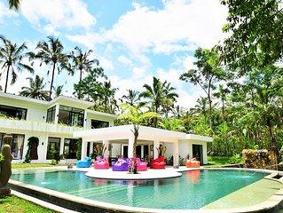 Superbe villa de luxe situee dans un havre de paix de verdure