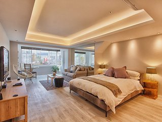 The Camps Bay Nest, a luxurious self-catering apartment on the beachfront!