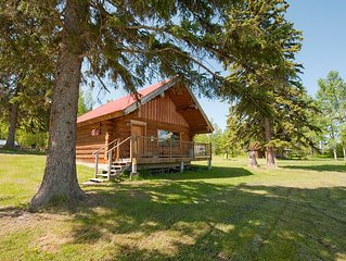 Cosy Lake front Log Cabin at Canim Lake Resort