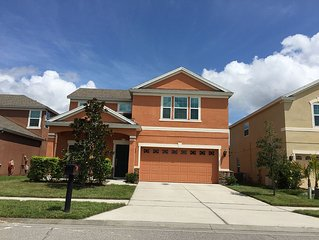 4 Beds Room 2,500 SQ FT Beautiful Home near UCF East Orlando