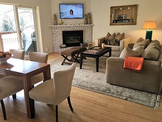 Beautiful, remodeled, luxe comfort 2/2. Walking  distance to heart of village.