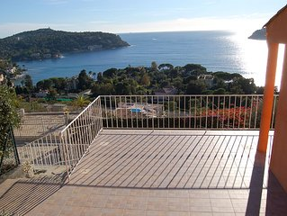 South facing apartment and terrace with breathtaking view on the sea