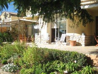 SETE T2 Plein sud avec grande terrasse, jardin arboré