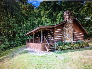 Cozy, Secluded Log Cabin! 3600' Elevation! Spectacular mountain view!