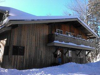 Family ski getaway, minutes from two ski mountains