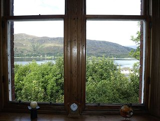 A large, comfortable apartment with great views  close to Fort William  centre.