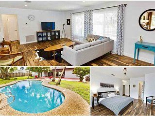 Luxury 4BR Home with a Pool in North Miami Beach