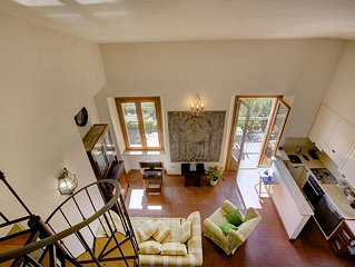 A breathtaking view of Burano Lake and Ansedonia in a Confortable apartment