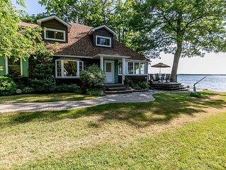 Beautiful waterfront Cottage on Lake Couchiching