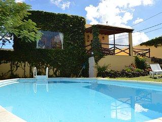 Chalet La Alpispa con piscina privada en Las Palmas de Gran Canaria.