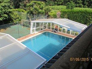 Villa, piscina privada aquecida, 7 quartos de dormir, corte ténis, wifi, jogos