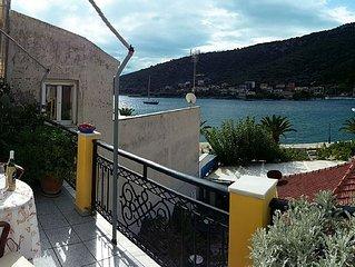 Apartment for 2 in the center of Agia Efimia, near Myrtos beach