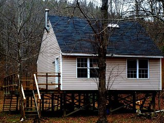 Beautifully Decorated Cabin Pristine and Peaceful!
