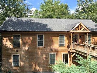 Sleeps 10 Modern family home at Beech Mountain Resort 4BR/4 BA outdoor jacuzzi