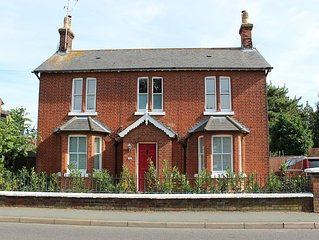 Beautiful 4 bed family period home in the historical village of Wivenhoe