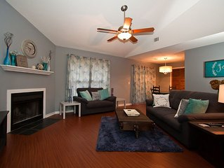 Charming Newly Renovated 2BR/2BA Condo