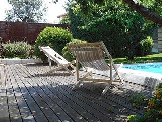 Casa de invitados con jardin y piscina