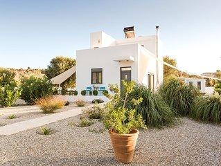 Das weisse Ferienhaus im Olivenhain