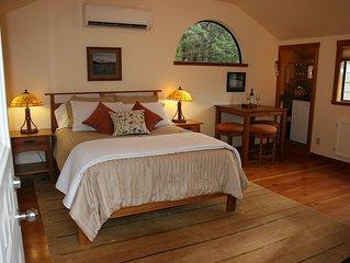 Cozy And Romantic Mt. Shasta Getaway-- Hot Tub And Sauna