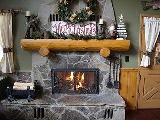 Cozy Remodeled Homewood Cabin- Sleeps 12!