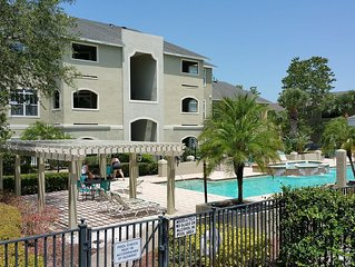 Avalon Palm, 2 Bed 2 Bath Clearwater Vacation Condo.