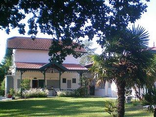 BASSIN D'ARCACHON. Havre de verdure grand jardin clos(2000m2) piscine chauffée