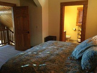 Cozy Mountain Cabin. 3 bed 3.5 bath.  Sleeps 10