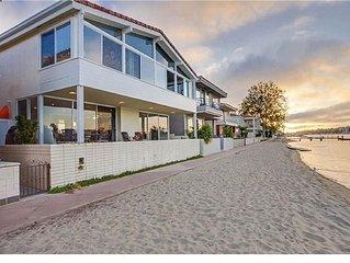 Lido Isle North Bayfront House