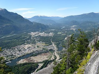 Conterporary new townhome in Squamish -  between Whistler and Vancouver