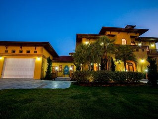 Hua Hin Luxury House / Villa - Minutes To The Beach and  Pro Golf Course