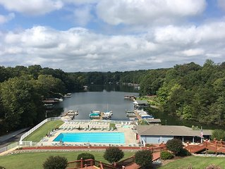 Lake Front - pool, beautiful sunset views, romantic getaway. Boat Slip,