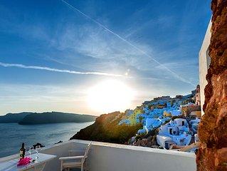 'The Big Blue' Villa In Oia
