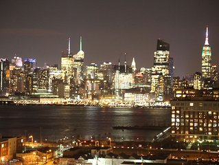 Stunning Empire State View Sleeps 12