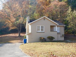 Lovely Chattanooga 2br Home - 1.5 Miles To Downtown/north Shore, 1 Block To Park