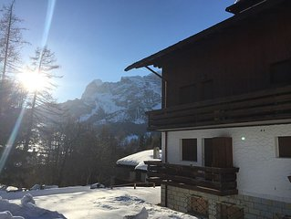 Charming, Cosy and Convenient: 3 bedroom Tyrolese apartment in Cortina d'Ampezzo