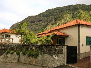 Casa da Ponte de Pedra - Desfrute da Natureza, no Coracao da Laurissilva