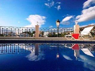Luxurious Marina Two Bedroom Premium A / A Pool, Sauna, Gym, Indoor Pool